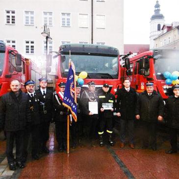 Uroczystość przekazania  OSP, 15 nowych średnich samochodów pożarniczych marki MAN.